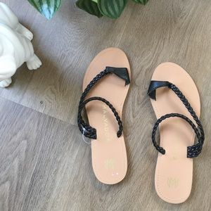 Malvados Black Flat Sandals sz 8